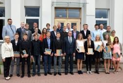 Jaunatnes sporta olimpiādes dalībnieku godināšana Baiks pašvaldība (14)