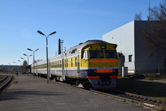 vilciens Valmieras stacijā