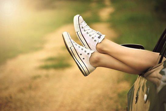 atpūta vasara kājas pixabay
